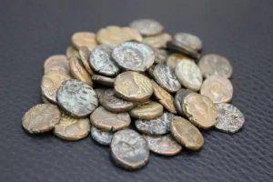 ۳۱ قطعه سکه قدیمی در فرودگاه کرمانشاه کشف شد