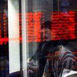 افت ۹۲۵ واحدی شاخص بورس/ وقتی که بازار سهام قربانی ریسکهای سیاسی میشود