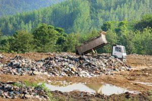 خسارتی که هر کیلو زباله به طبیعت وارد میکند
