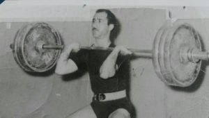 درهفته تربیت بدنی و ورزش بیشتر یادگذشتگان را زنده نگهداریم+تصاویر