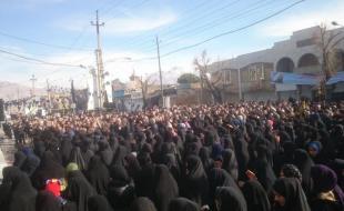 اجتماع عظیم عزاداران فاطمی در دروازه کربلا/ کرمانشاهی ها در سوگ مادر سادات