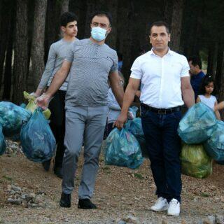 راه اندازی پویش پاکسازی کاجستان بیستون توسط ساکنان شهرک الزهرا + تصاویر
