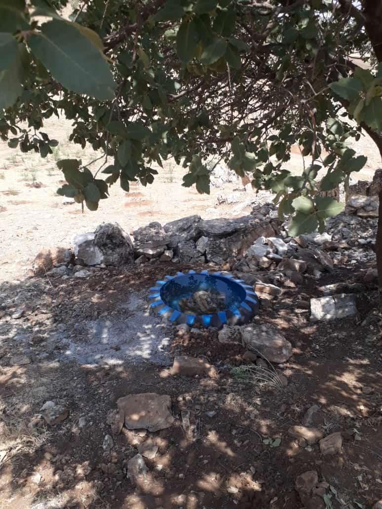 ساخت آبخشور برای پرندگان و حیوانات در روستای ژاومرگ توسط دهیاران